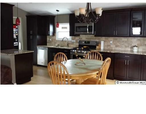 kitchen cabinets 07726 24 deer way manalapan nj 07726 realtor 174 19831