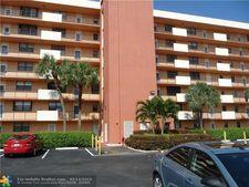 2430 Country Club Blvd # 510, Deerfield Beach, FL 33442