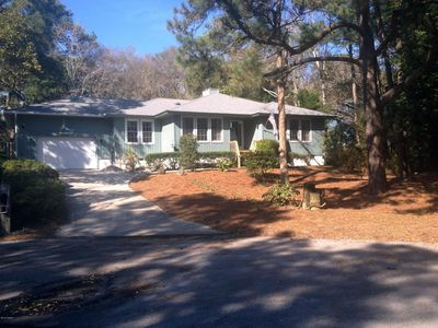 106 Acorn Ct, Pine Knoll Shores, NC 28512
