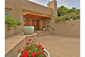 56 Polmood Farm Rd, Santa Fe, NM 87506
