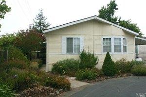 54 Leisure Park Cir, Santa Rosa, CA 95401
