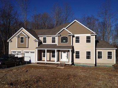 85 Crossbow Ln, Monroe, CT