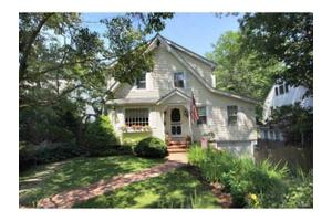 20 Lawton Ave, Stamford, CT 06907