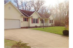 4494 Whitehall Dr, South Euclid, OH 44121