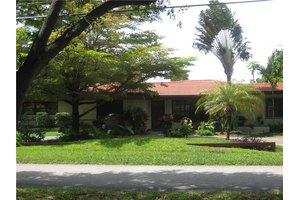 600 NE 119th St, Biscayne Park, FL 33161