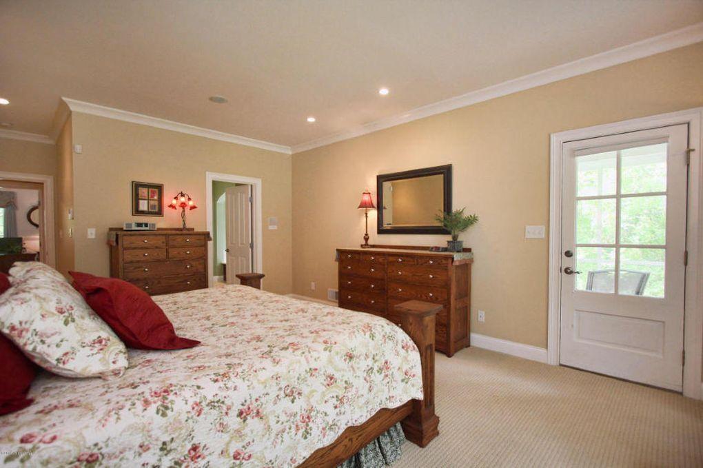 8501 Pine Valley Trl, Louisville, KY 40229 - realtor.com®