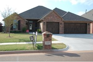 15405 Daybright Dr, Oklahoma City, OK 73013