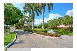 101 Royal Park Dr Apt 2b, Fort Lauderdale, FL 33309