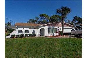 102 Dee St, New Smyrna Beach, FL 32168