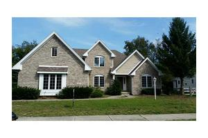 405 Cove Harbour Dr E, Holland, OH 43528