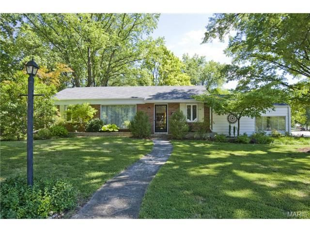35 Turf Ct Saint Louis MO 63119