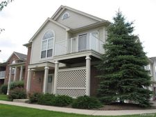 26200 Chesapeake Cir Unit 301, Walled Lake, MI 48390