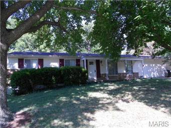 1312 Jeanne Hills Dr Saint Louis, MO 63146