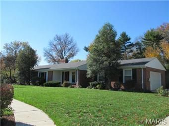 35 Ladue Estates Dr Saint Louis, MO 63141