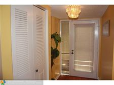 8020 Hampton Blvd Apt 414, North Lauderdale, FL 33068