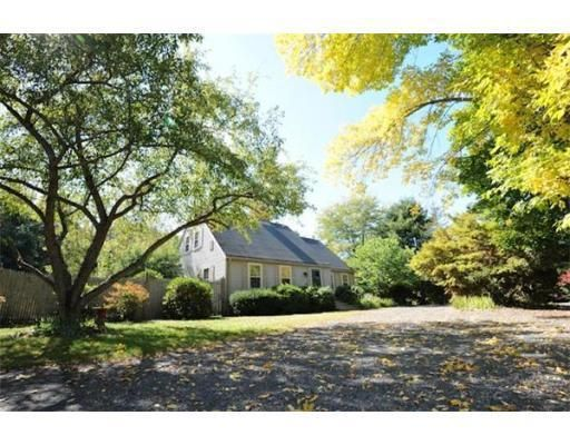 471 Bay Rd, Amherst, MA 01002