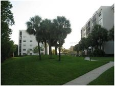 1332 Pasadena Ave S Apt 104, South Pasadena, FL 33707