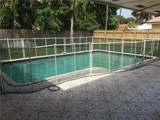 6955 Maple Ter, Miami Lakes, FL 33014
