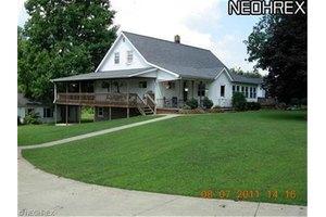 15490 Grove Rd, Garrettsville, OH 44231