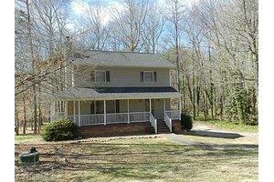 6140 Brinkley Park Dr, Belews Creek, NC 27009