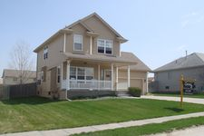 613 Eagle View Dr, Papillion, NE 68133
