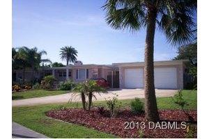 320 Ocean Dunes Rd, Daytona Beach, FL 32118
