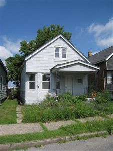 9711 Brockton St, Detroit, MI