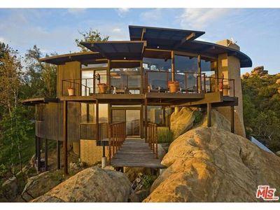 300 Loma Metisse Rd, Malibu, CA 90265