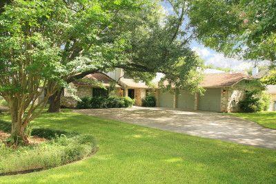 160 Lake Ridge Dr, Seguin, TX 78155