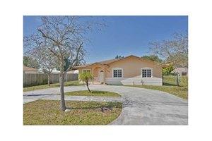 15620 NW 38th Ct, Miami Gardens, FL 33054