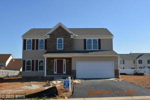 13529 Cambridge Dr, Hagerstown, MD 21742