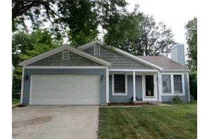 1233 Westfield Dr, Maumee, OH 43537