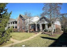 5370 Somerworth Ln, Saint Louis, MO 63119