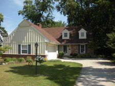 404 Forest Dr, Rossford, OH 43460