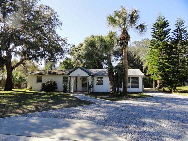 1265 Grove Ave, Tarpon Springs, FL