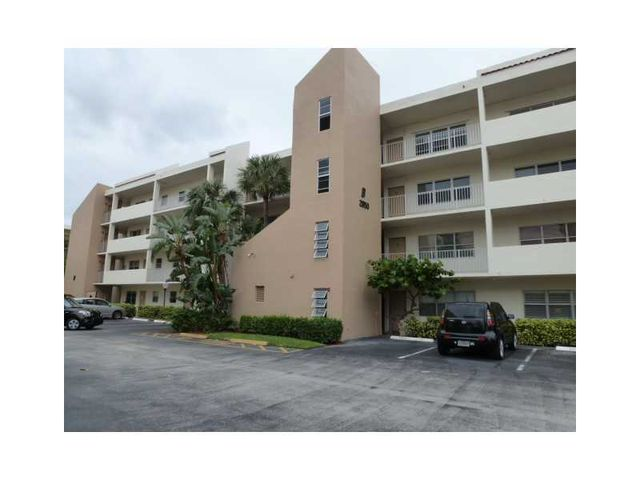 2850 Ne 14th Street Cswy Apt 109, Pompano Beach, FL