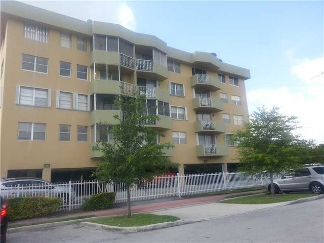 1990 marseille dr apt 402 miami beach fl 33141 home for sale and real estate listing. Black Bedroom Furniture Sets. Home Design Ideas