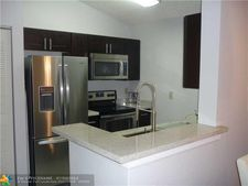 2820 N Oakland Forest Dr 305 Unit 305, Oakland Park, FL 33309
