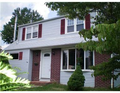 30 Windsor Dr, East Brunswick, NJ 08816