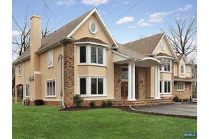 143 Weidmann Ct, Old Tappan, NJ 07675