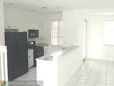 6051 Sw 19th Pl, North Lauderdale, FL 33068