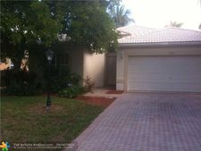 5706 Nw 48th Ct, Coral Springs, FL 33067