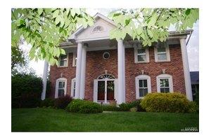 13029 Mason Estates Ct, Town And Country, MO 63141