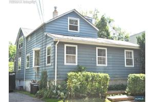 84 Phelps Ave, Bergenfield, NJ 07621
