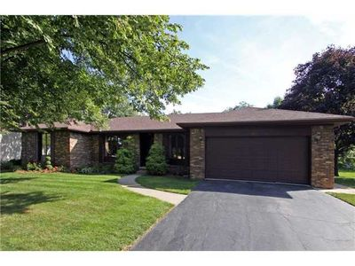 521 Darby Ln, Maumee, OH