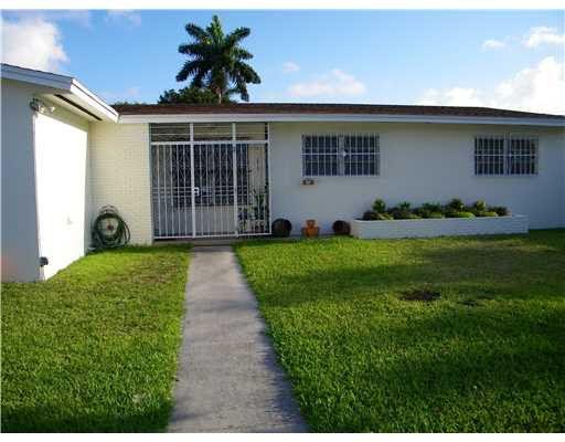 5 NW 160th St Miami, FL 33169