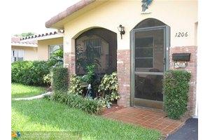 1206 NW 45th St, Deerfield Beach, FL 33064
