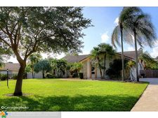 6420 Sw 57th St, Davie, FL 33314