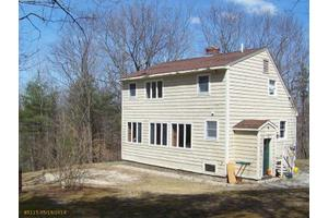 15 Meadow Brook Dr, Waterboro, ME 04087