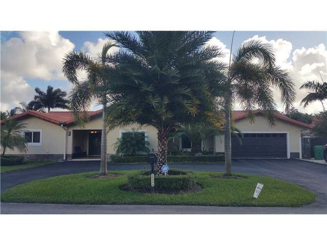 10090 Nw 131st St Hialeah Gardens Fl 33018 Home For